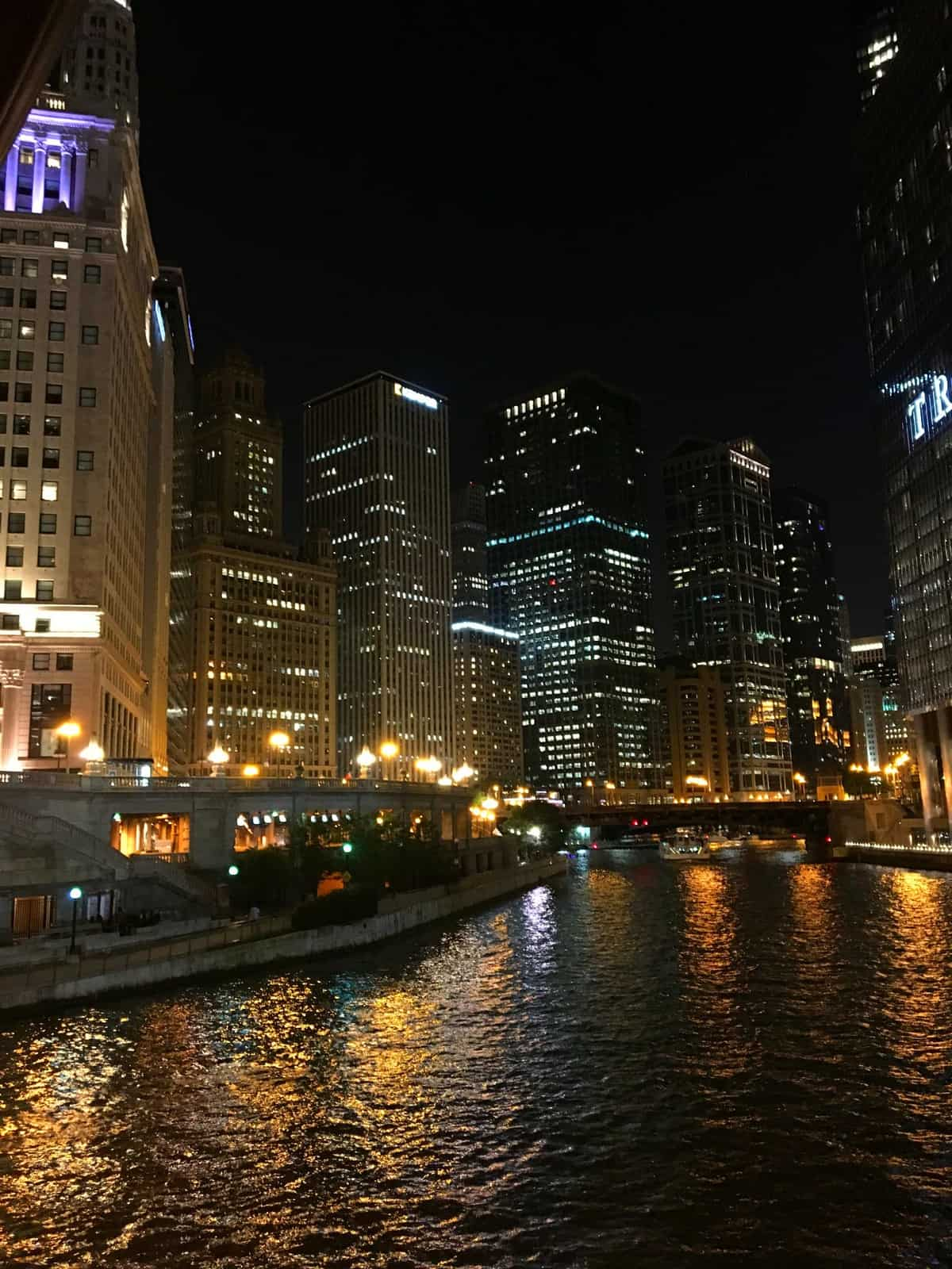 The chicago skyline over the Chicago river