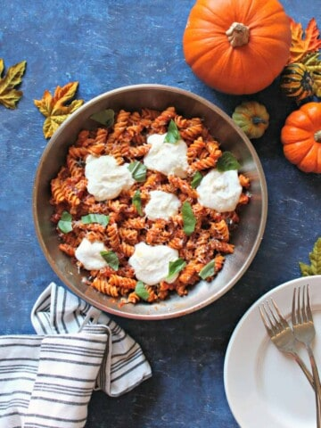 """Easy Pumpkin Marinara Pasta with Whipped Cottage Cheese """"Ricotta"""" -- a fall twist on a quick dinnertime classic that will become a family favorite!"""