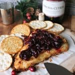Gingerbread Crusted Baked Brie! This gorgeous appetizer may be simple, but it isn't lacking one bit of warm, festive flavors for your holidays gatherings!