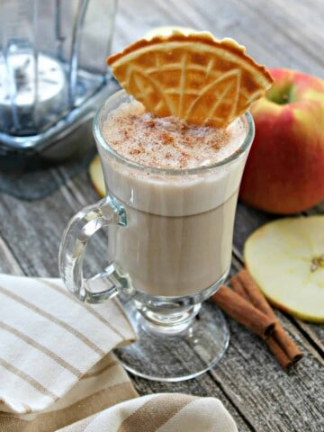 """""""Apple Pie"""" White Hot Chocolate! Sweet and creamy, with undertones of apple pie, this might just become your favorite way to warm up during the cold weather months!"""